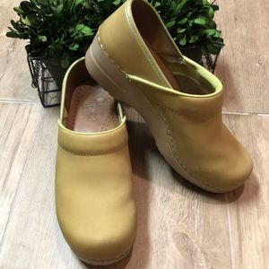 Dansko Dijon Leather Clogs 37